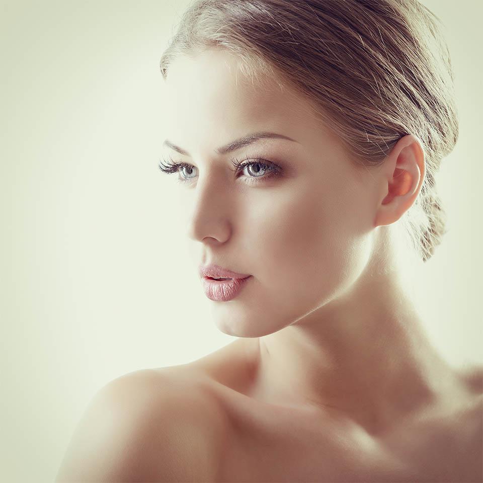 Cirugía estética facial en Granada | Clínica Cocoon
