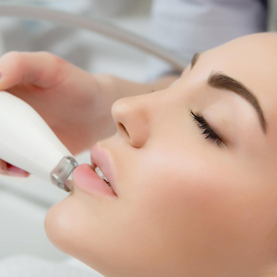 Tratamiento radiofrecuencia facial en Granada | Clínica Cocoon